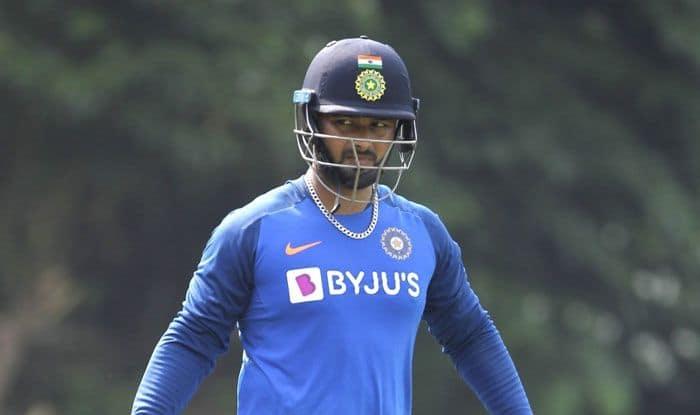 Ashish Nehra, Sanjay Bangar Back Rishabh Pant as MS Dhoni's Replacement in Indian Cricket Team